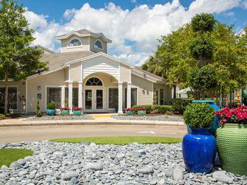 Clubhouse Exterior - The Enclave at Huntington Woods - Tallahassee, FL