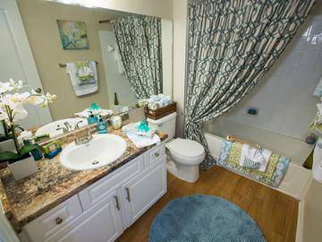 Bathroom - The Enclave at Huntington Woods - Tallahassee, FL