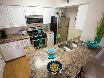 Kitchen - The Enclave at Huntington Woods - Tallahassee, FL