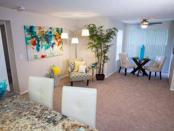Living Room - The Enclave at Huntington Woods - Tallahassee, FL
