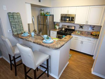 Kitchen - The Oasis at 1800 - Tallahassee, FL