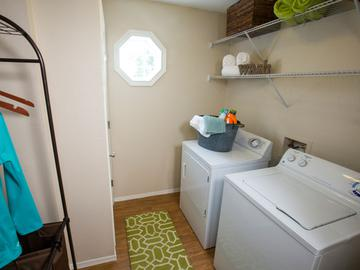 Laundry Room - The Oasis at 1800 - Tallahassee, FL
