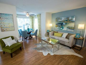 Living & Dining Area - The Oasis at 1800 - Tallahassee, FL