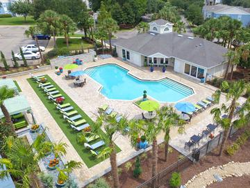 Expansive Sundeck - The Oasis at 1800 - Tallahassee, FL