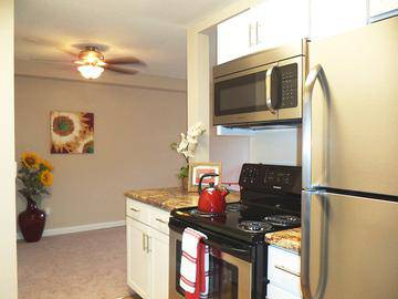 Stainless Steel Appliances - The Lexington at Winter Park - Winter Park, FL
