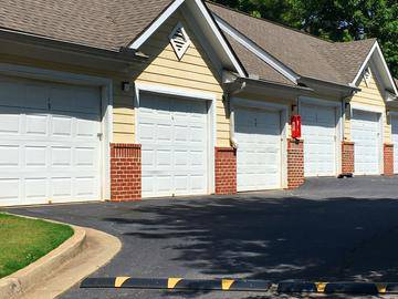 Garages Available - Peaks at Bells Ferry - Acworth, GA