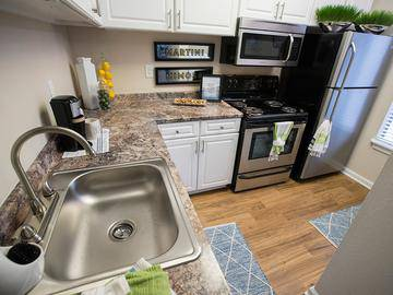 Stainless Steel Appliances - Village West at Peachtree Corners - Norcross, GA
