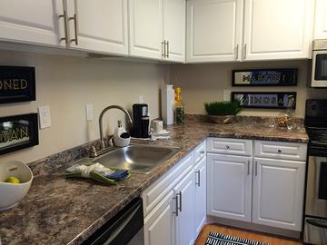 Kitchen - Village West at Peachtree Corners - Norcross, GA