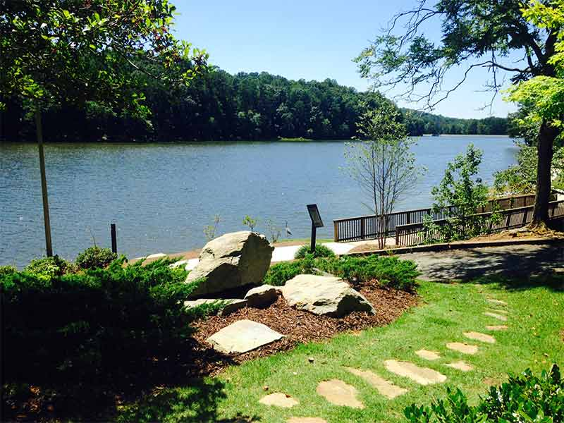 Apartment photos videos the lake house at martin 39 s for Lake house photos gallery