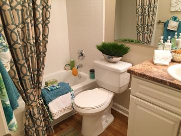 Bathroom - The Lake House at Martins Landing - Roswell, GA