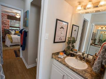4x2 Bathroom - Southern Downs - Statesboro, GA