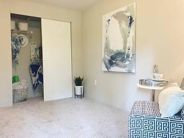 Bedroom - Alpine Commons - Amherst, MA