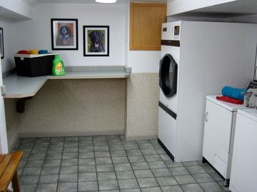 Community Laundry Room - Edgewood Court - Chicopee, MA