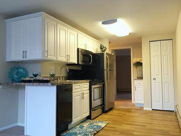 1x1 Remodeled Kitchen - Country Manor - Feeding Hills, MA