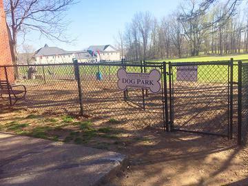 Off-Leash Dog Park - Country Manor - Feeding Hills, MA
