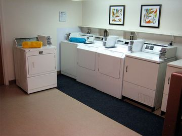 Laundry Facility - The Courtyards - West Springfield, MA