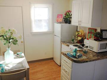 Kitchen and Dining Area - The Courtyards - West Springfield, MA
