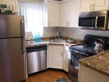 Stainless Steel Appliances - The Willows - Westfield, MA