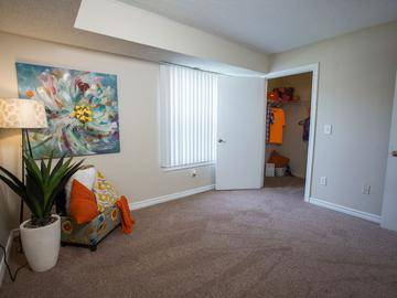 Bedroom - Crossing At Auburn Hills - Pontiac, MI