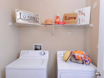 Laundry Room - Crossing At Auburn Hills - Pontiac, MI