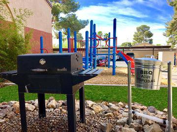 Charcoal Grills - Vue 5325 - Las Vegas, NV