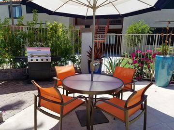 Poolside Grill - Vue 5325 - Las Vegas, NV