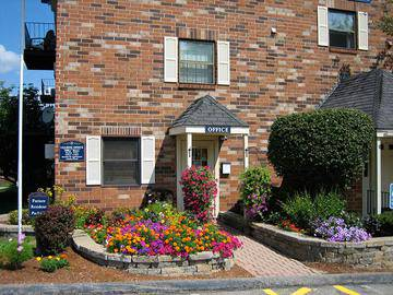 Leasing Office - Brookstone Manor - Milford, NH