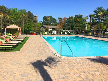 Resort-Style Pool - Berkshire Manor West - Carrboro, NC