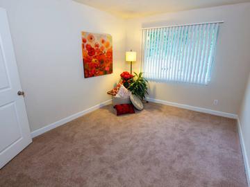 Master Bedroom - Berkshire Manor - Carrboro, NC
