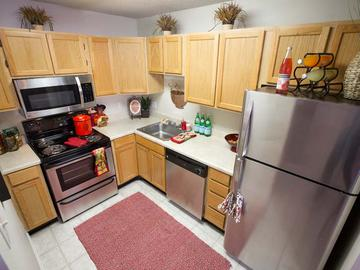 Kitchen - Berkshire Manor - Carrboro, NC
