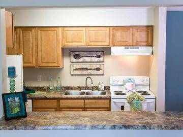 Kitchen with Breakfast Bar - Collins Crossing - Carrboro, NC