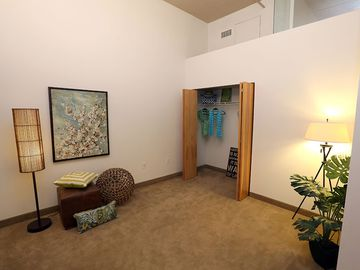 Guest Bedroom - Quay 55 - Cleveland, OH