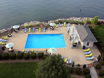 Sparkling Swimming Pool - Quay 55 - Cleveland, OH