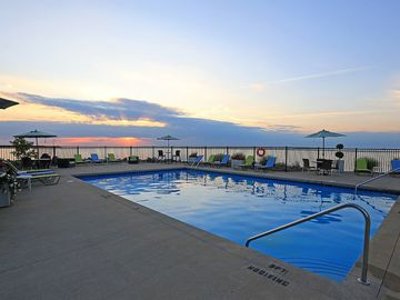 Resort-Style Pool - Quay 55 - Cleveland, OH