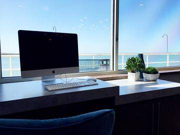 Apple iMac Computers with a View - Quay 55 - Cleveland, OH