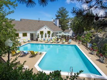 Resort-Style Pool - Terraces of Western Cranston - Cranston, RI