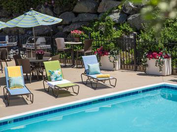 Pool Grilling Area - Terraces of Western Cranston - Cranston, RI