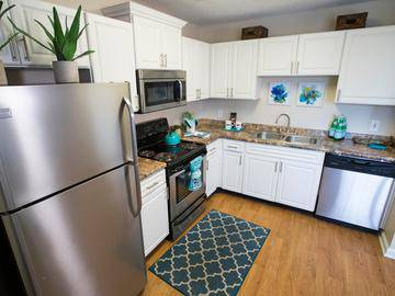 Stainless Steel Appliances - The Legends at Lake Murray - Columbia, SC