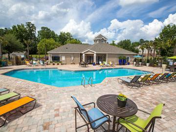Sparkling Swimming Pool - River Bluff of Lexington - Lexington, SC