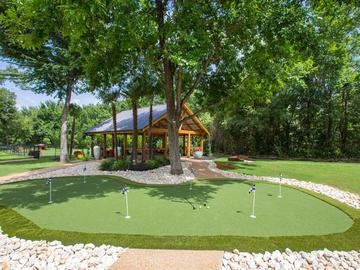 Putting Green - The Element at University Park - Bryan, TX