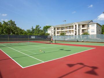 Aerofit Tennis Courts - The Element at University Park - Bryan, TX