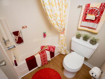 Guest Bathroom - Stadium View - College Station, TX